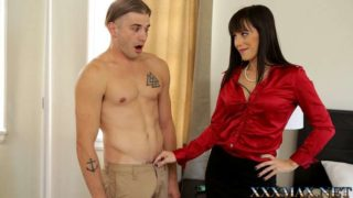 MomsTeachSex – Mother Alana Cruise Knows Best