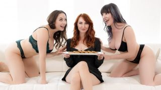 Girlsway – Lonely Housewife