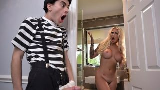 Brazzers – Pantomime Pounding