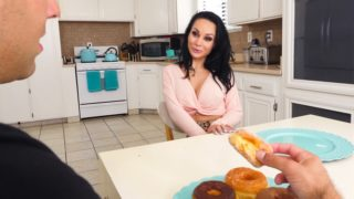 MommyBlowsBest – Donuts Mom