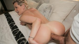 PublicAgent – MILFS Perfect Body Fucked for Cash